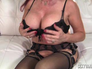 Sexy Vanessa in Horny Solo