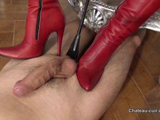 Chateau-Cuir –  Fetish Liza – Milked leather slave – Handjob