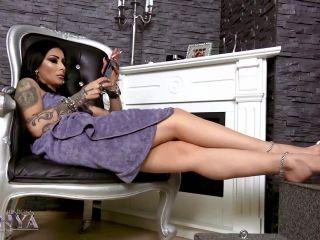 Slave Treat – Mistress Kennya – Ignore loser POV | flexibility | fetish porn