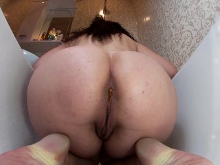 janet - Piss and Shit in Bathtube [FullHD 1080P] - Screenshot 6