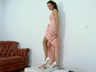 Face Standing – Polish Mistress clips – Femdom – Ksenia – Greek Goddess – Part 1