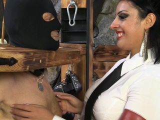 Sado-Ladies –  Mistress Ezada Sinn – Tickling Til Exhausted