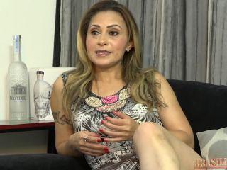 A Casa das Brasileirinhas - Temporada 30 - EpisцЁdio 05 - Safira Prado, Laisa Zandheire