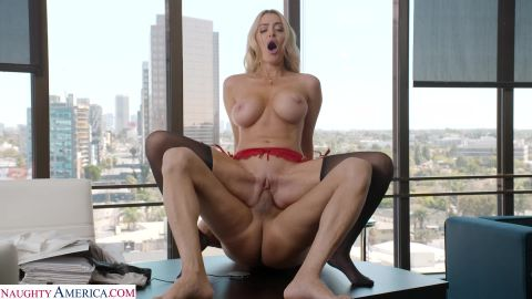 Linzee Ryder - Pulls all the strings and gives the boss her juicy wet pussy to get more hours [FullHD 1080P]