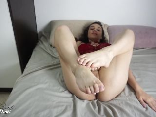 FootJob & SoleJob presents Haubgirl in Cum on Toes POV
