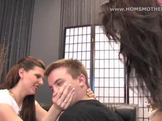 2 girl smothered man