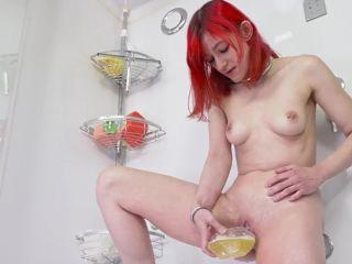 Bitchmoni - Washing myself with my Piss [FullHD 1080P] - Screenshot 5
