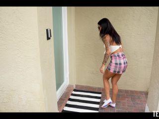 Exxxtra Small – Camila Cortez