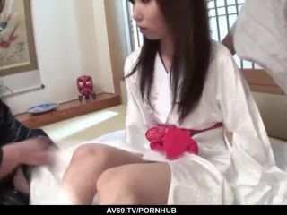 Karen gets two males to show her a good t