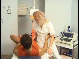 File Frau Doktor und ihr Fotzen-Team