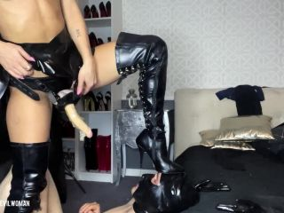Evil Woman - Brutal mouthfucking and peging on my slave [HD 1078P] - Screenshot 5