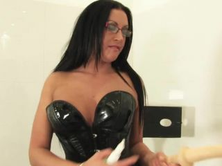 Guy used by mistress