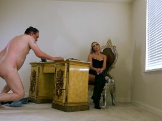 Kneeling – THE MEAN GIRLS – True Submissives – Goddess Platinum