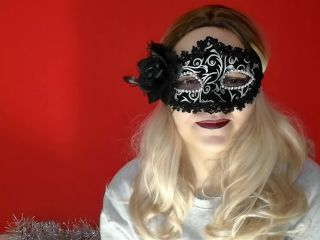 Met her husband with a blowjob in a mask and stockings