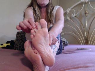 Shiny soles – Hot Wife Jolee – Hot Foot Fetish Worship - toes fetish - feet porn gay medical fetish