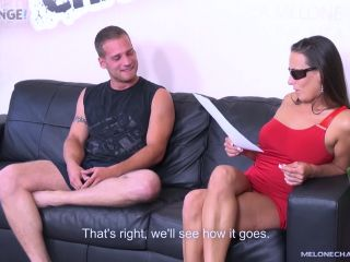 Glasseda melone kick out newcomer when he's not able to give her cum