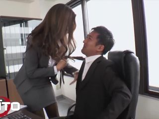 smoking hot asian takes her boss's cock while working*