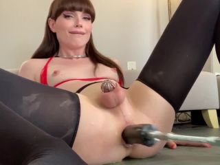 Sexy transsexual Natalie Mars got her asscunt banged by fucking machin ...
