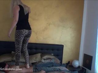 Mia Stomach Trampling -
