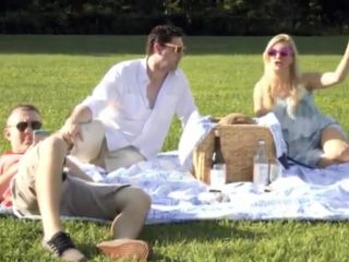7887 Stepfather Stepdaughter Sneak away from Family Picnic to Fuck