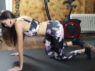 Noradevot - Mein erster Creampie vom Fitnesstrainer
