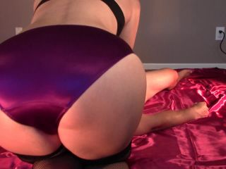 Femdom 2019 Queen Goddess Paige Punished By My Purples Face Sit Face Sitting Paige Headscissor Scissorhold Scissored Scissoring K2S Cc Femdom Online  Slave