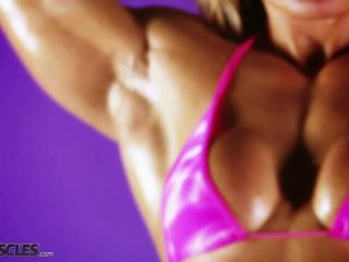 Female muscle fetish show