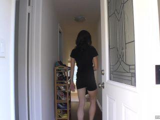 Janira Wolfe - The New Neighbor Has a Futa Cock!!!