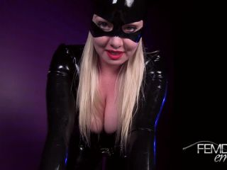 Catwoman Cum Extraction