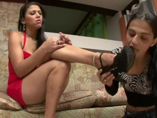 Submission – BRAZIL FEET – Aline Cruel Foot Domination
