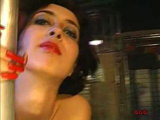 Sarah, Irina - Die mit dem Sperma tanzt [John Thompson, GGG / SD / 384p] - bukkake - bukkake ggg bukkake