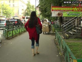 Bare Feet In The City Video - Marina B 2013-09-29