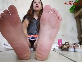 Toes pointing – Kelly Ribeiro