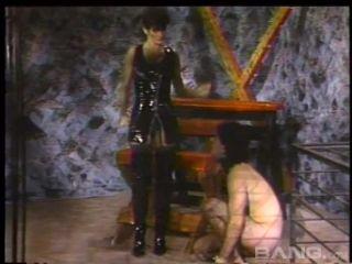 Mistress Sasha Is So Good At Dominating Men And Women 720