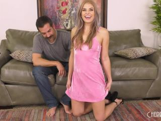 Nikki Peach - Not So Innocent Hottie Nikki Peach LIVE!