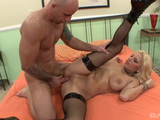 Lilith Lavey Gets Paid In Loads Of Cum For Rental Pussy Space