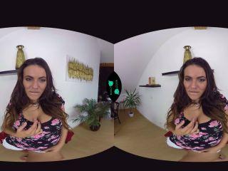 VR 091 Vanessa Decker Gear VR
