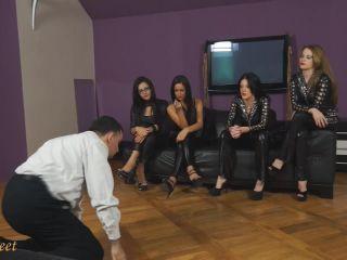 britney amber femdom femdom porn | Dunefeet - Emily, Gia, Kourtney, Nancy - The Looser 1 | facepunch