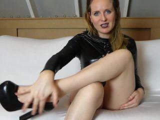 bratty femdom Naughty Eva – Foot worship with CEI, Dutch spoken, femdom on femdom porn