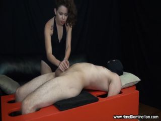 HandDomination – Bailey Paige – Her small hands played a Big role in this RUINED Orgasm