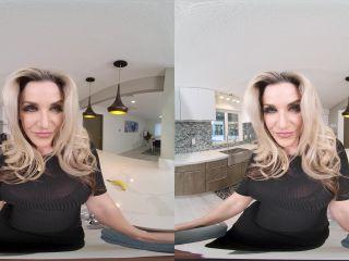 Honey, Are You Hungry – Kayla Paige 4K