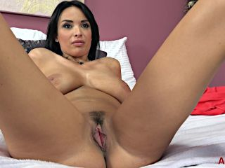 Allover30 presents Anissa Kate 31 years old Interview —