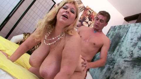 BBW with huge boobs in sex action!