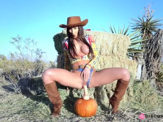 Woody goes for a ride on a pumpkin dildo