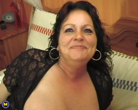 Mature.nl- Hetty (42) - Big titted housewife loving a big dildo