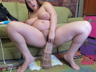 Jeri Lynn – First Time With XXXL Sea Horse