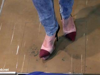 Trample To Cum 2 – Sa Crush Girls(Feet porn)