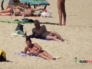 Nude Strand - Big Globes