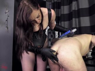 Leather Fetish – House of Sinn – The initiation of a virgin slut – Princess Vivienne L'Amour