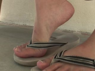 Evelyn Lin Footjob